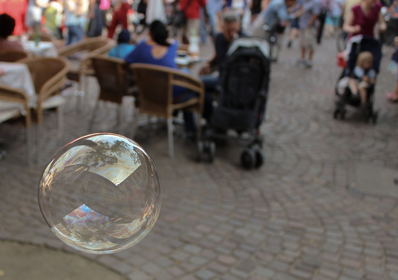soap-bubble-879651_1280