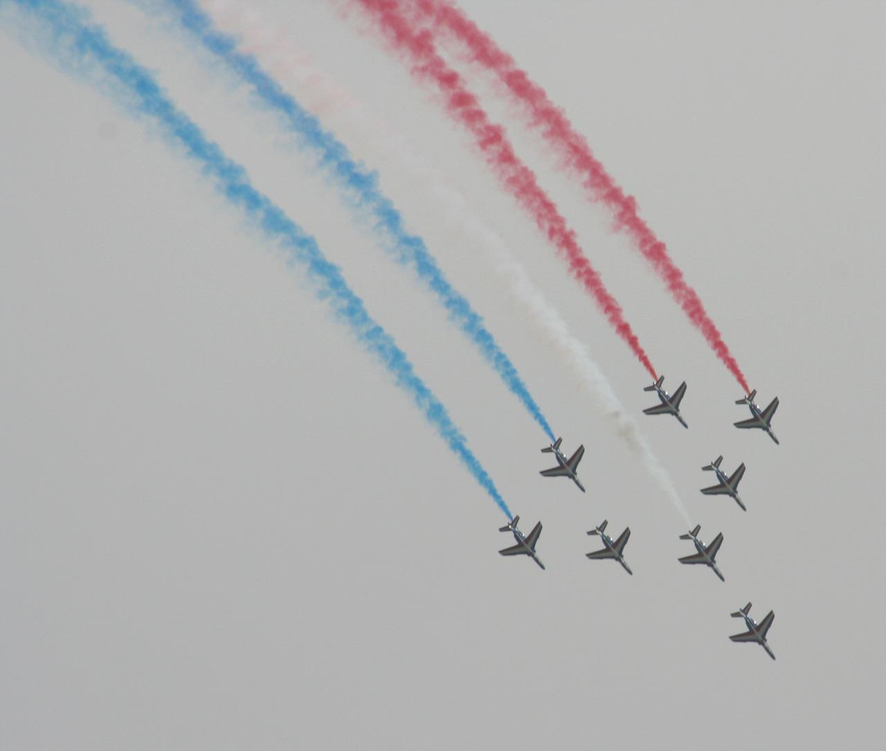aircraft-1581330_1280